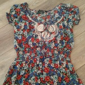 Forever 21 floral peasant style top